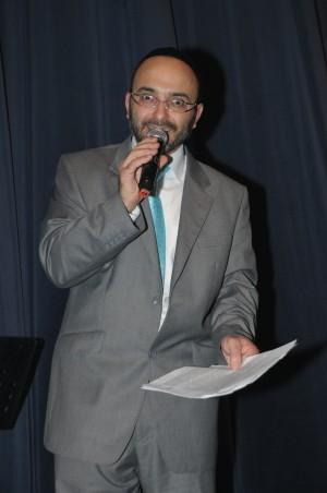 השדרן, השחקן, ועכשיו הזמר - יהודה שוקרון